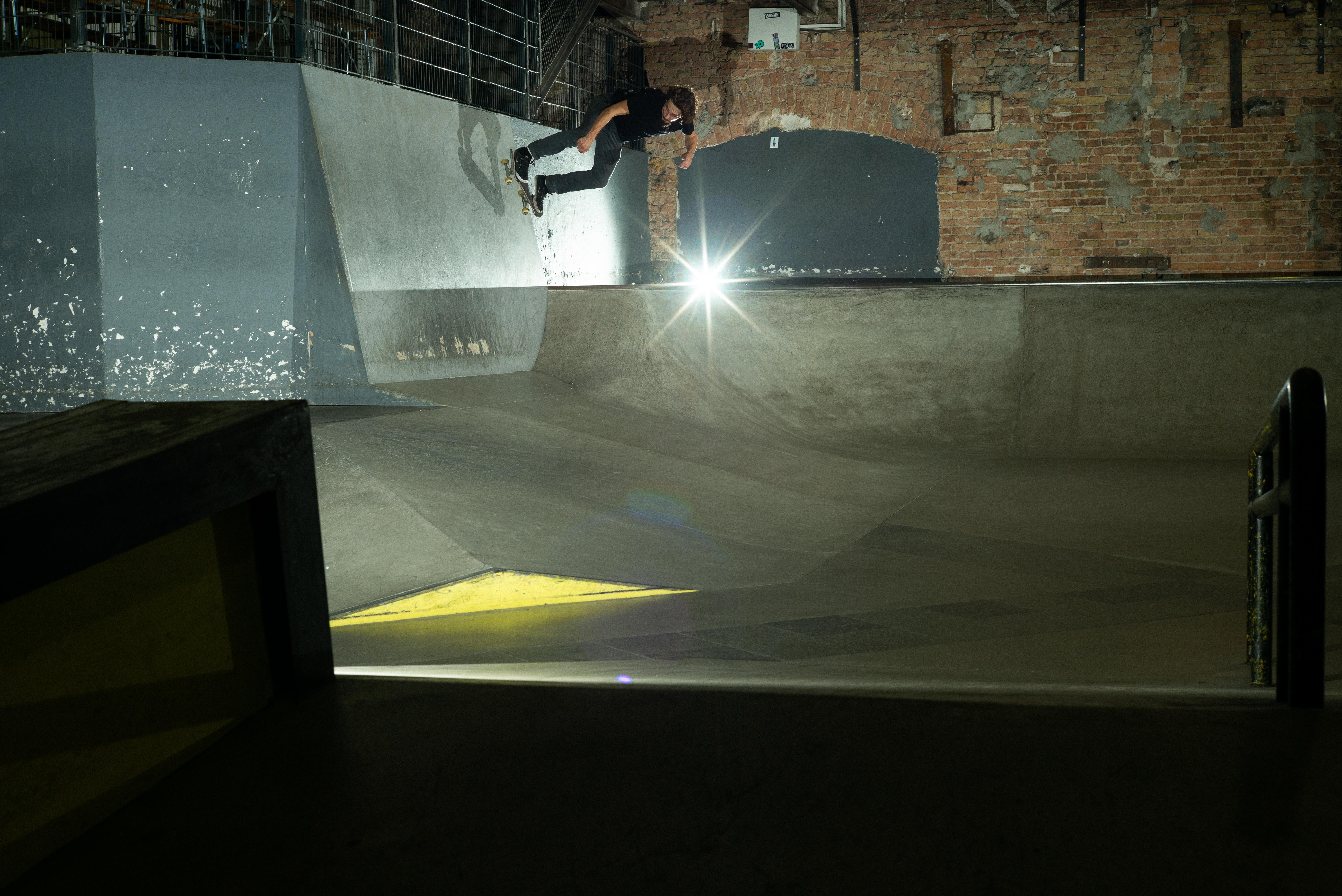 Lars Rohwer - Transfer bs Wallride Quarter to Bank, Skatehalle Berlin, Foto: Michel Lang